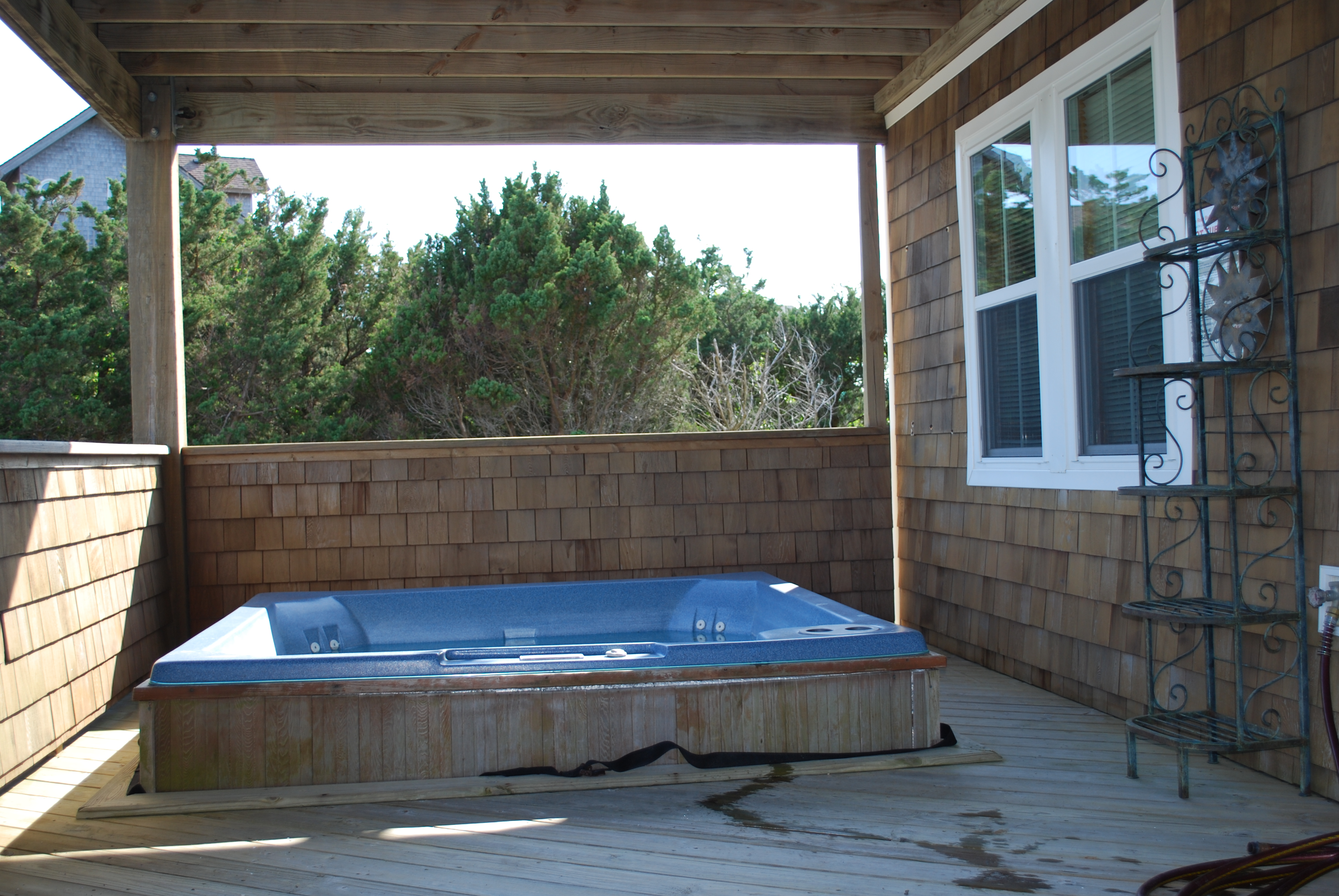 1st Floor Hot Tub