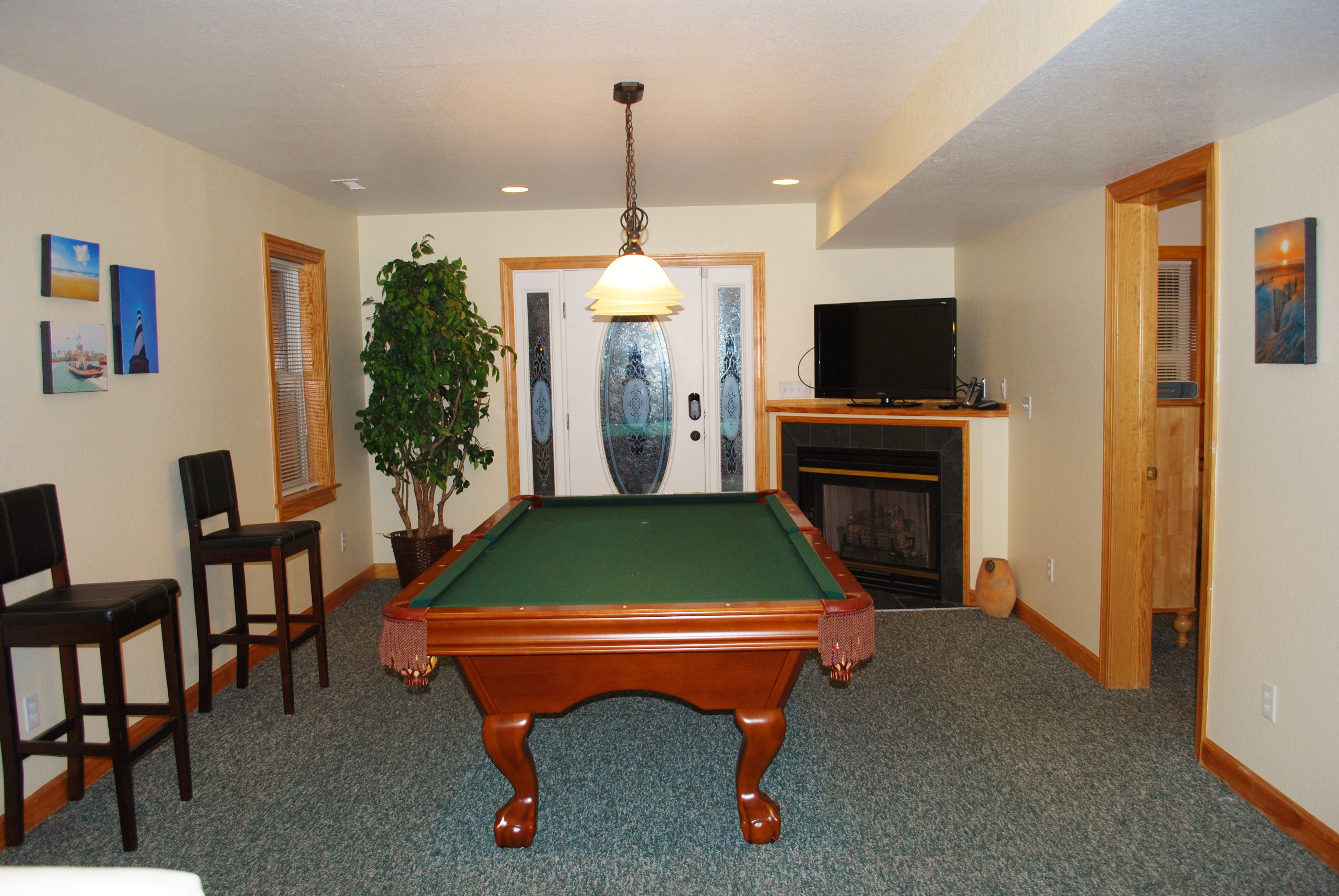 1st Floor Billard Room