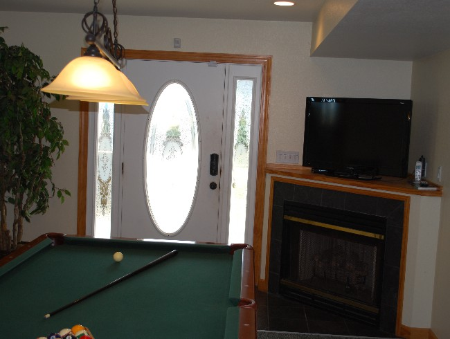 1st Floor: Billards Room - Fireplace & Cable TV