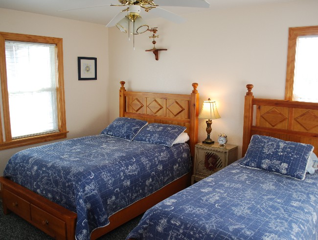 2nd Floor: Bedroom 4 - Full & Twin Beds
