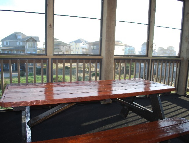 3rd Floor: Screened Patio - Great Kids Table for Large Groups!